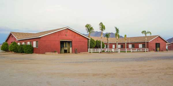 sponsor-main-red-barn